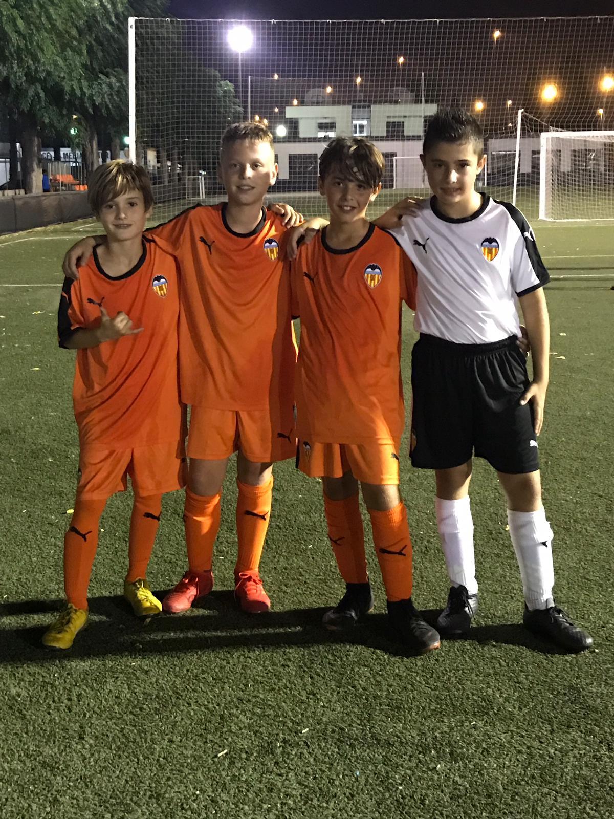 Primera jugadores convocados por el Valencia CF dentro del proyecto Escoles VCF