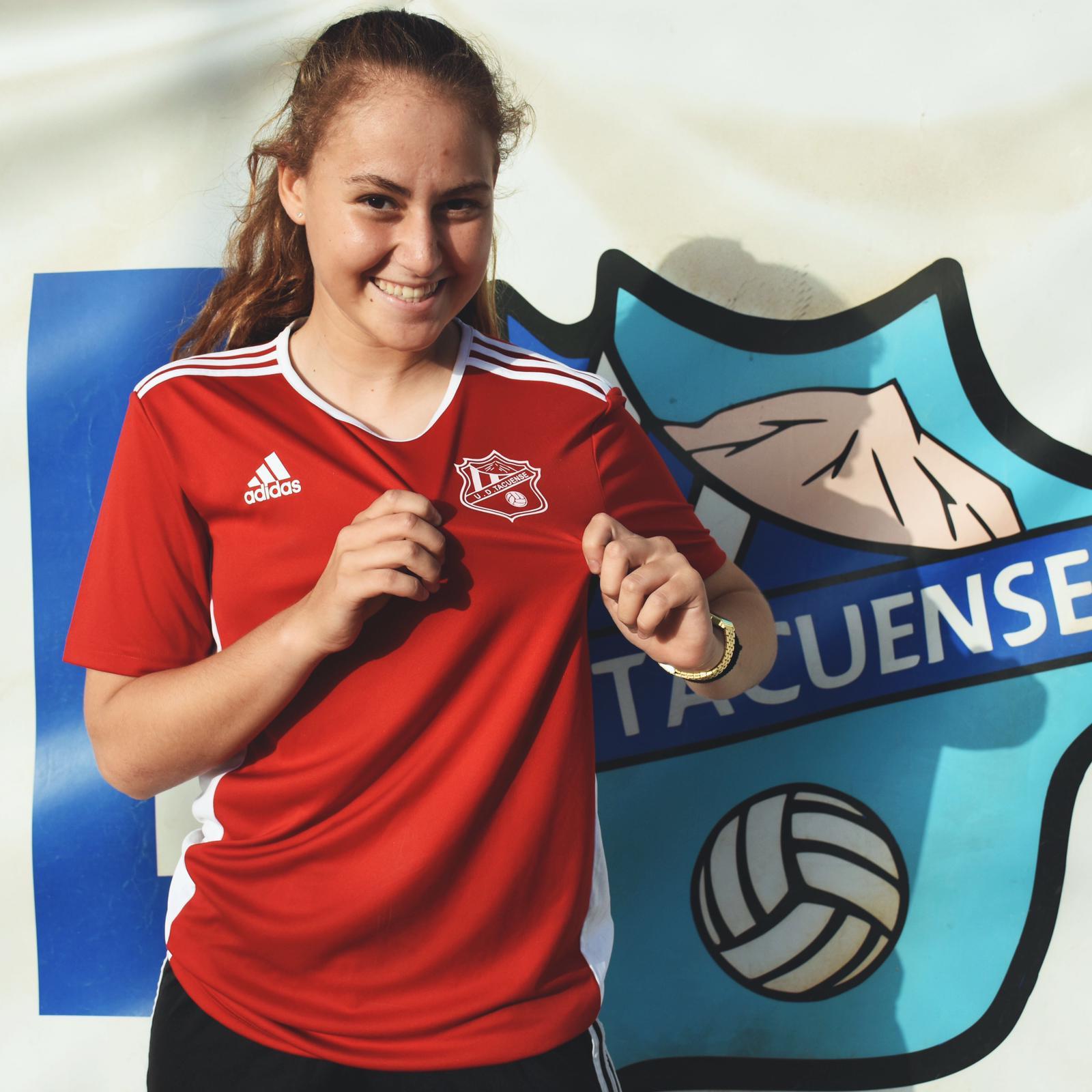 """Sara Niz: """"Estoy muy orgullosa de representar al Tacuense en la selección española"""""""