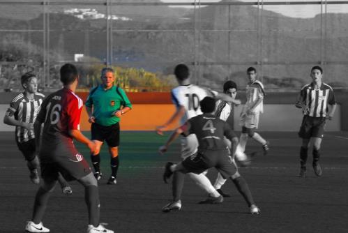El Árbitro en el Fútbol Base