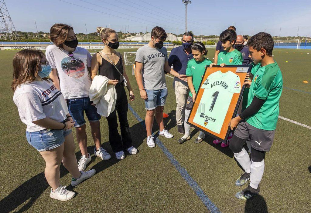 Homenaje del VCF a ABELARDO  en CRACKS