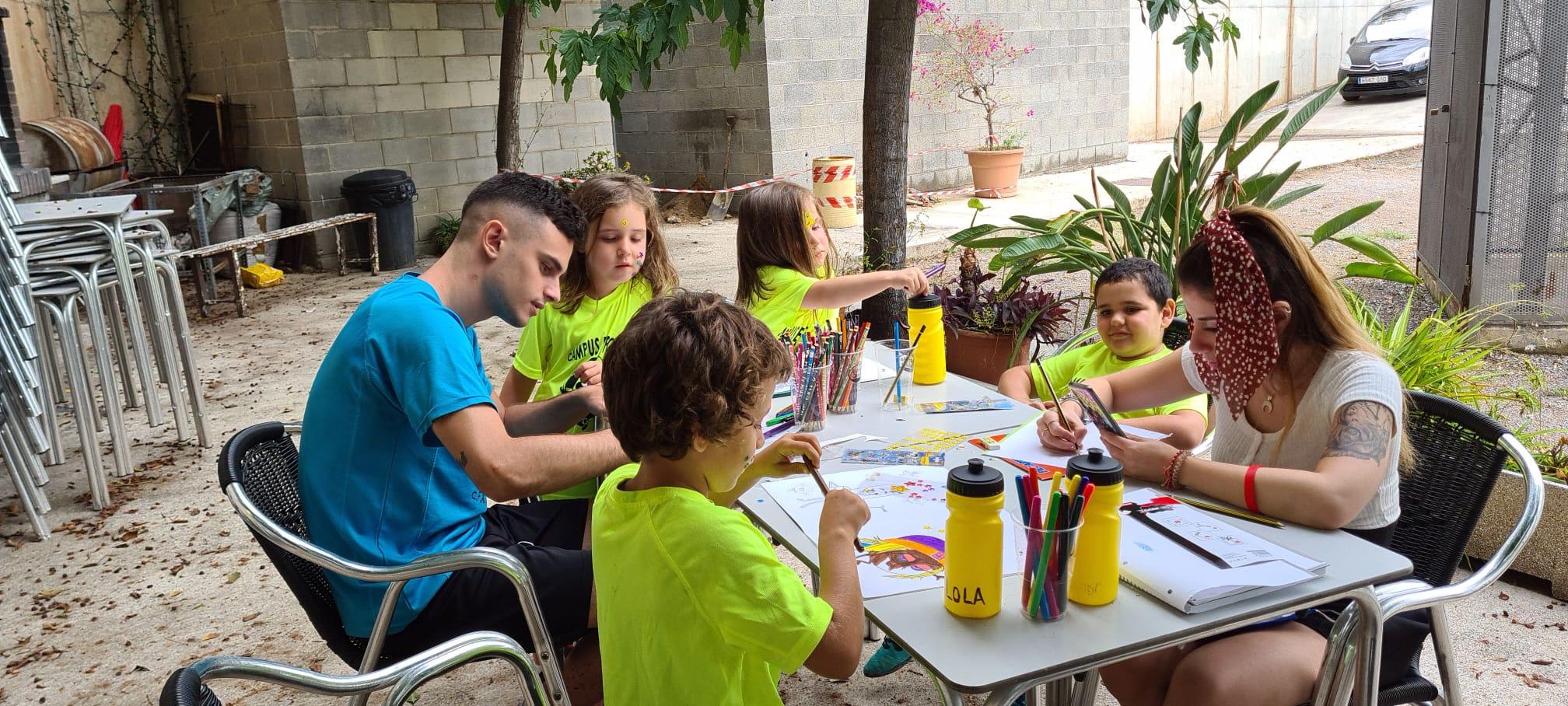 Campus d'Estiu, un juliol d'esport i diversió per a nens i nenes