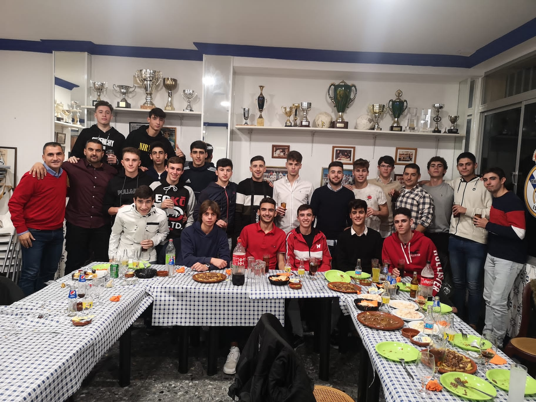 Cena Navidad Juvenil A