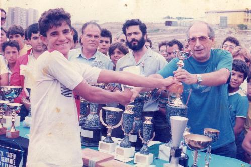 Entrega de trofeos por parte de D. Francisco del Pino Diaz, fundador de esta Asociación Deportiva