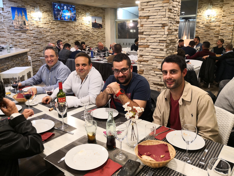 El día 1 de diciembre en Restaurante A Grella se celebró la cena de Navidad del club