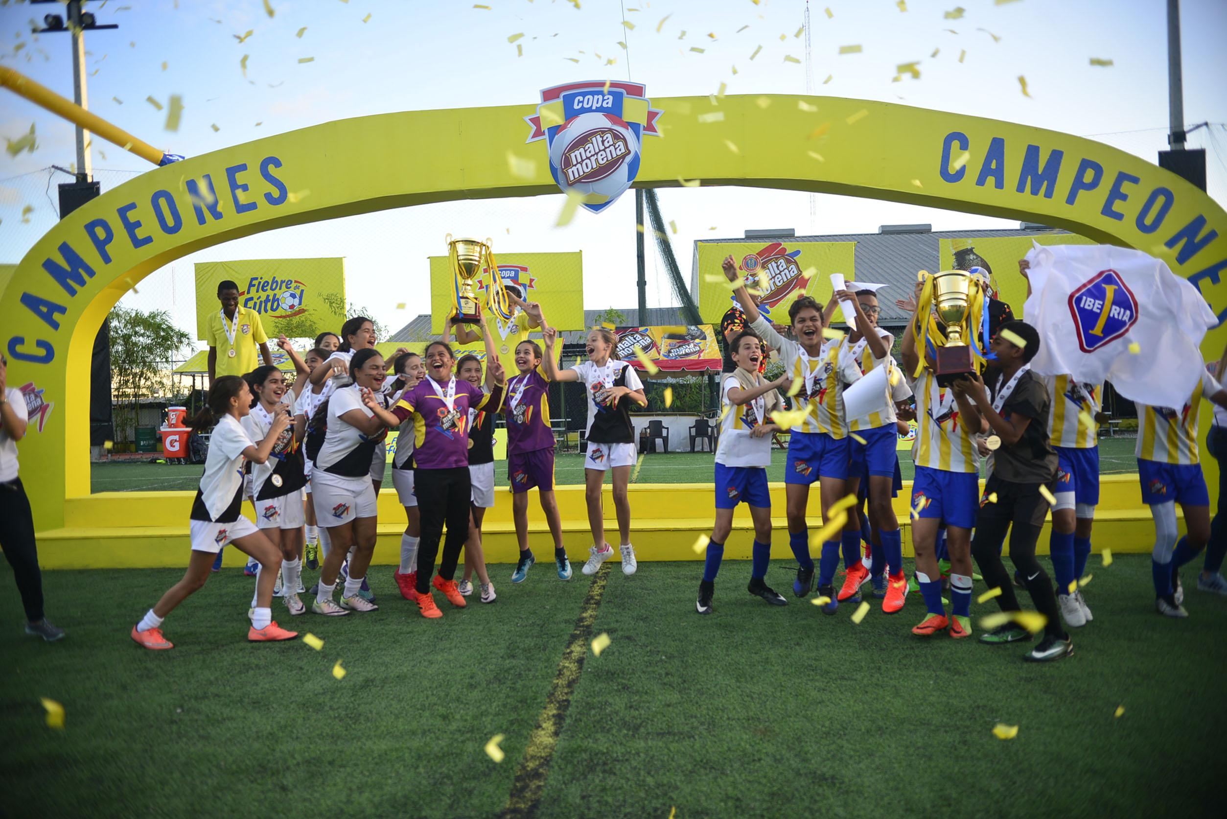 Instituto Iberia y Saint Michael´s se coronan campeones en Copa Malta Morena de Fútbol