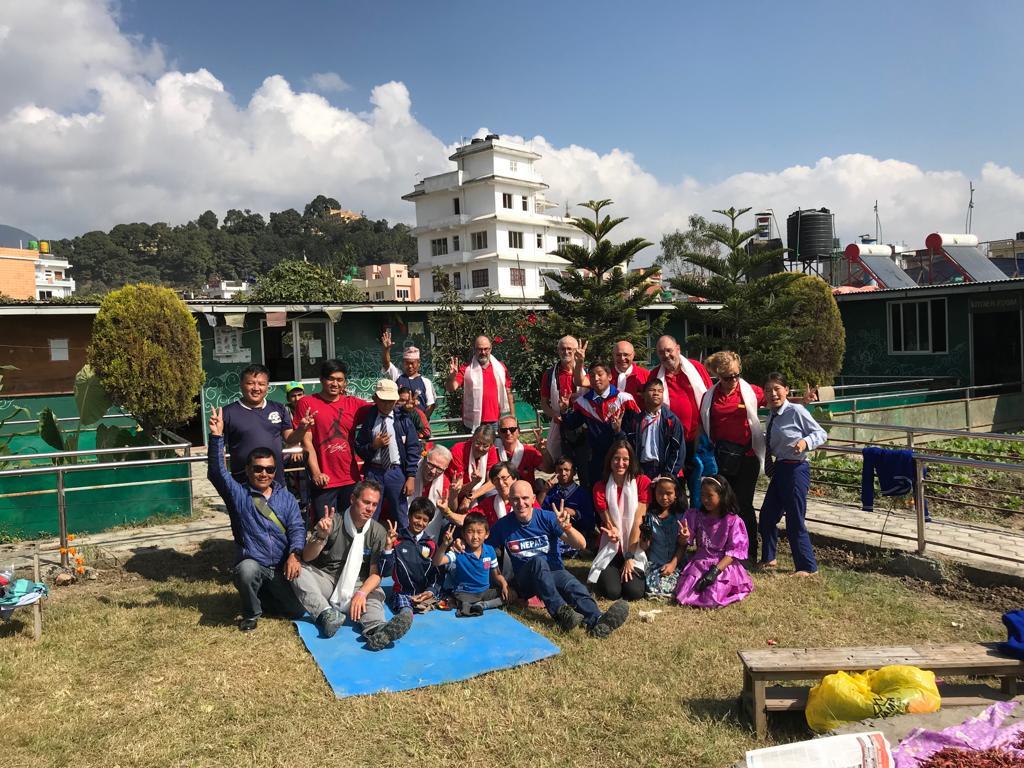 AYUDA A NIÑOS DISCAPACITADOS DEL NEPAL