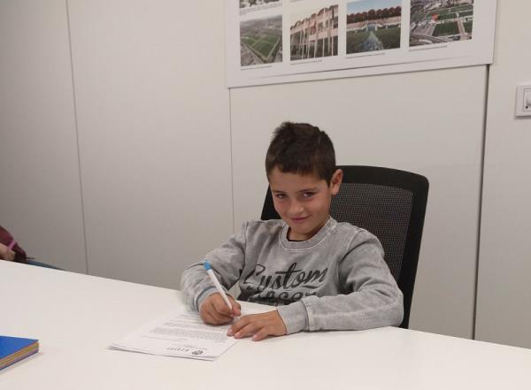 Mario Ferri signa amb el València CF per la 2018/2019