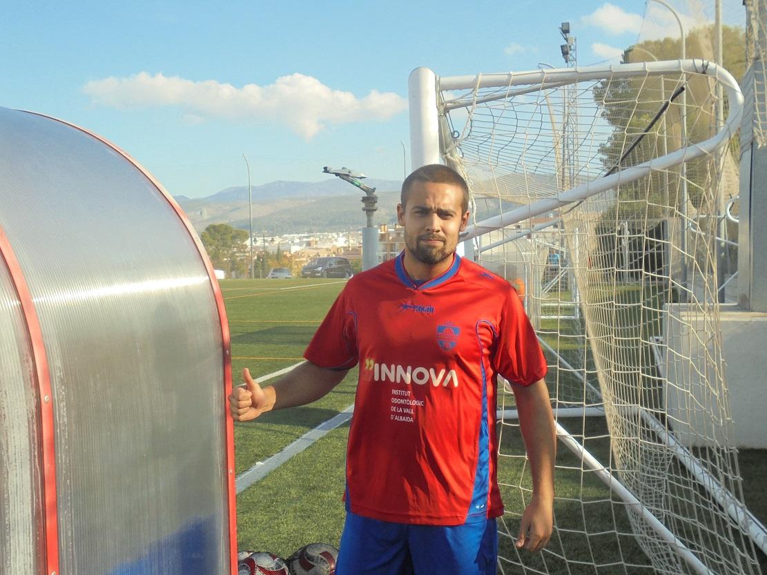 Víctor Navarro va debutar dissabte amb el Sanra