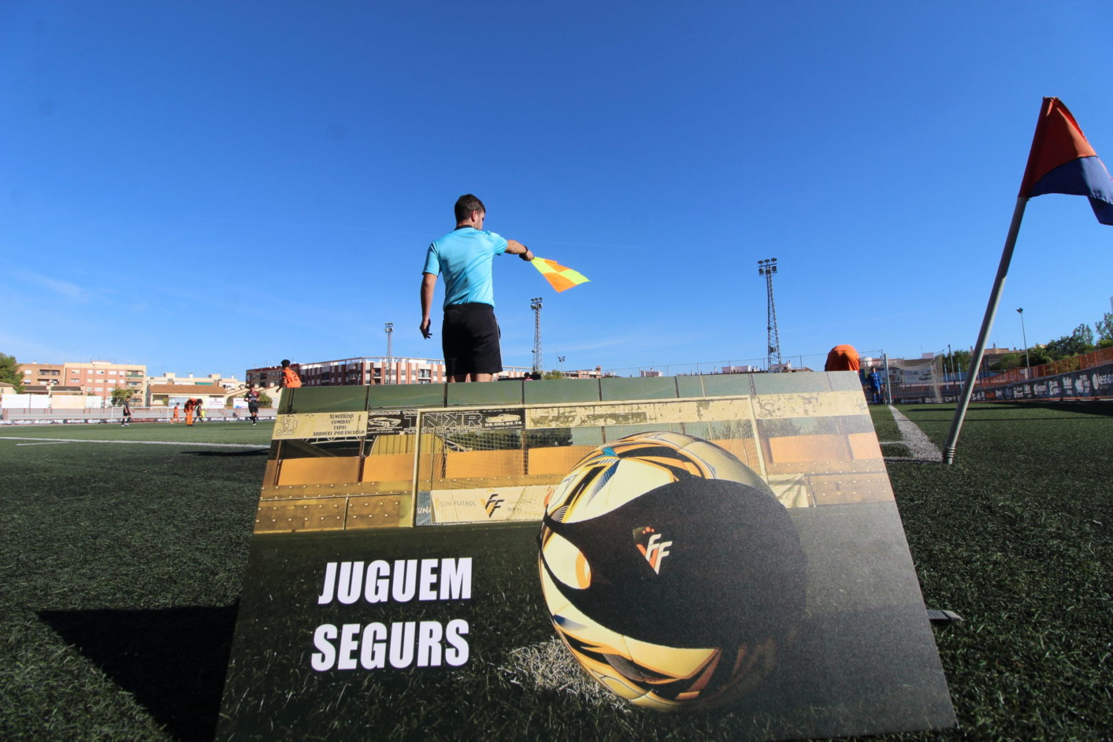 El futbol federat capaç de plantar-li cara a la Covid-19