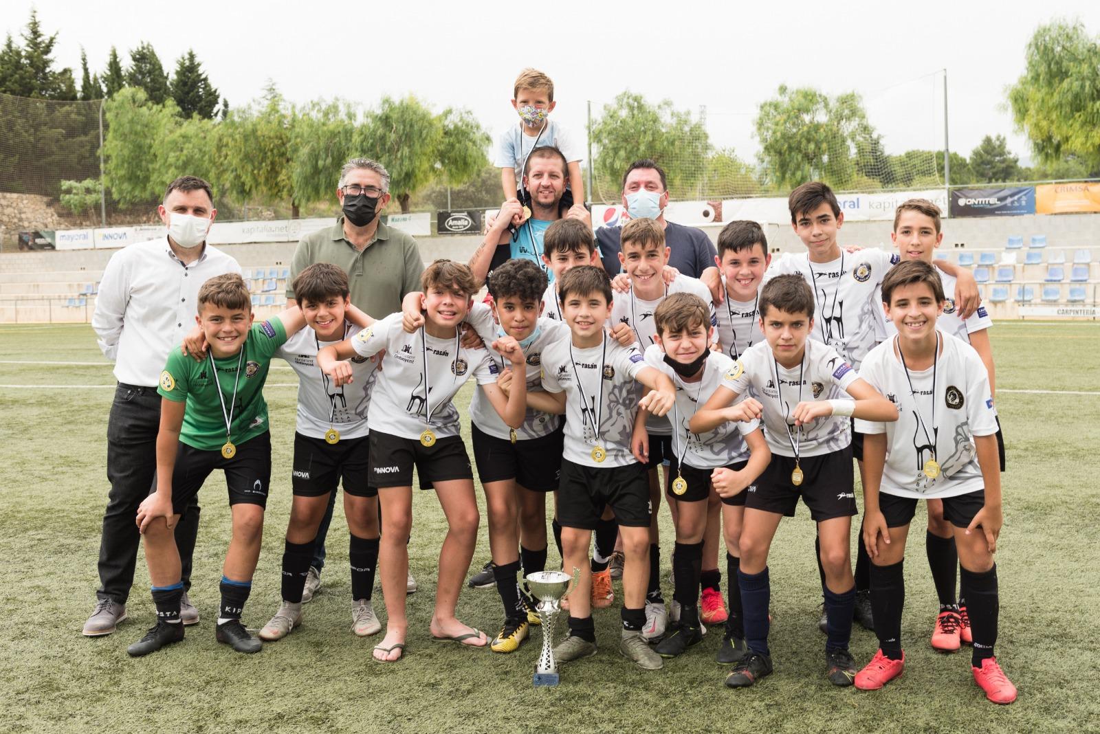 CD EB Ontinyent i Elda Union es proclamen campions del Trofeu Ciutat d'Ontinyent Aleví
