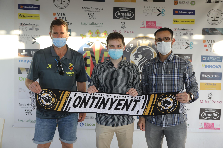Set empreses d'Ontinyent patrocinen l'escola del Club Deportivo Esport Base Ontinyent