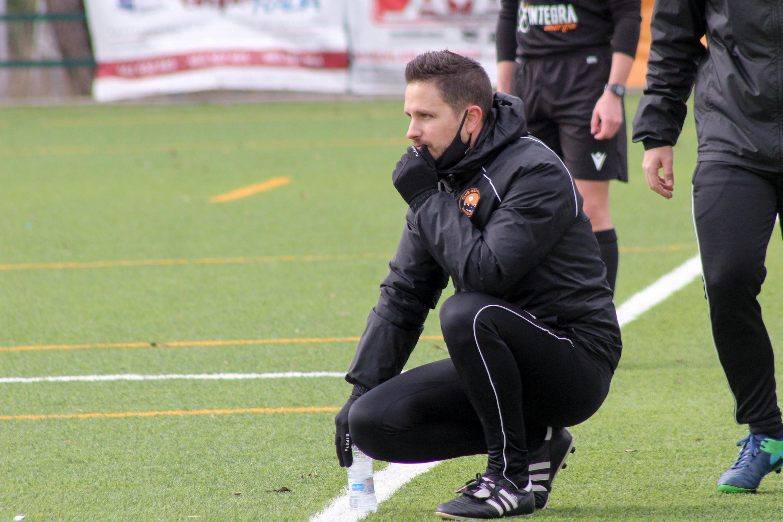 Rubén Jiménez deja de ser el entrenador del CD Parquesol Patatas Meléndez