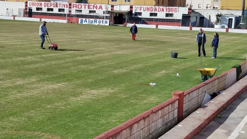 Resiembra césped Estadio Manuel Bernal Sánchez-Romero
