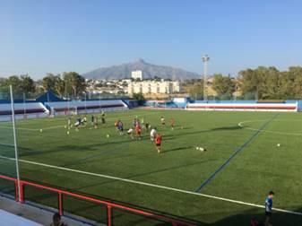 El Estadio Municipal de San Pedro Alcántara es un campo de césped natural, con capacidad para 5.000 espectadores y con medidas reglamentarias de la FIFA (104 x 65 metros) con dos campos de fútbol 7 de 65x45 metros)