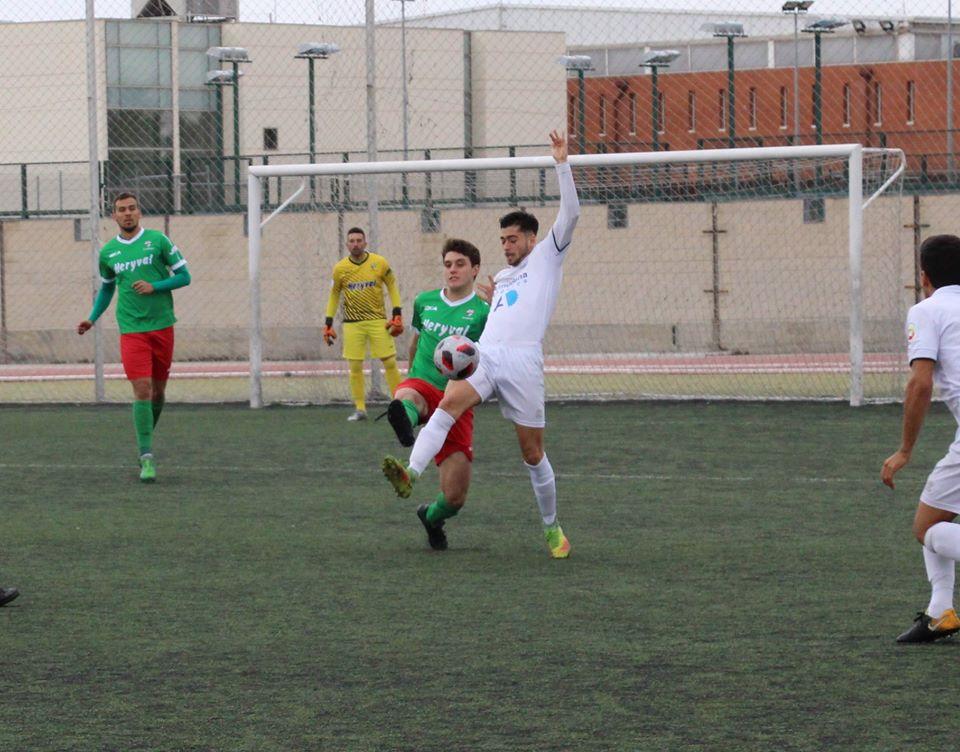 CRÓNICA TERCERA | Reparto de puntos entre dos rivales directos