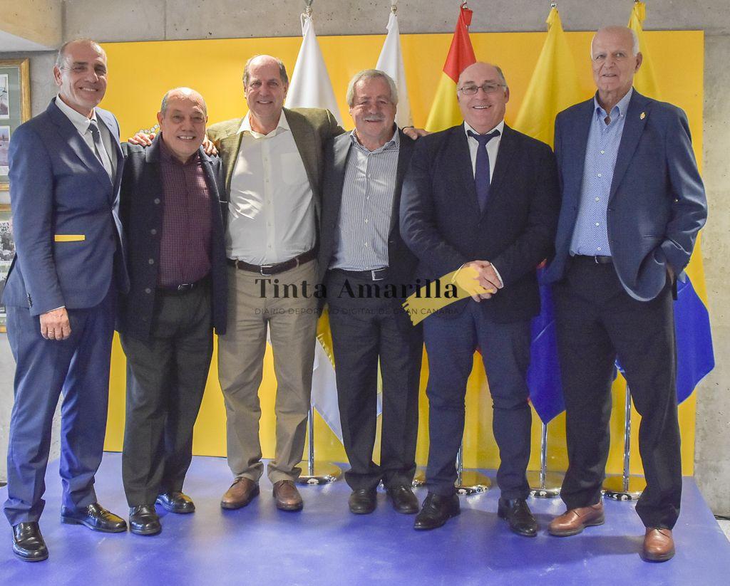NUESTRA ASOCIACION EN EL TRADICIONAL ALMUERZO DE NAVIDAD DE LA UD LAS PALMAS